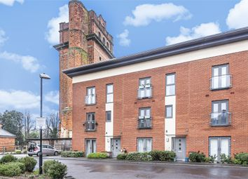 2 bed flat for sale in Longley Road, Chichester, West Sussex PO19