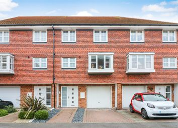 3 bed town house for sale in Willowbank, Sandwich CT13
