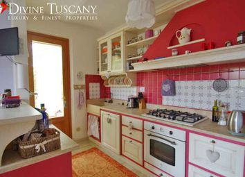 Thumbnail 4 bed villa for sale in Via Fosse Ardeatine, Montepulciano, Siena, Tuscany, Italy