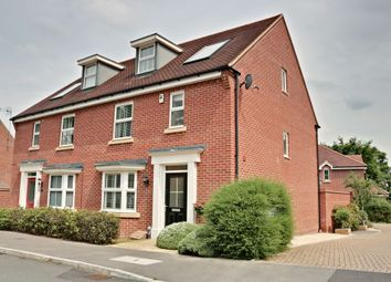 Gateswood Drive, Sherfield-On-Loddon, Hook RG27. 4 bed town house for sale