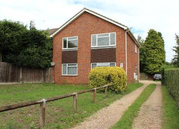 Reading Road South, Fleet, Hampshire GU52. 2 bed maisonette