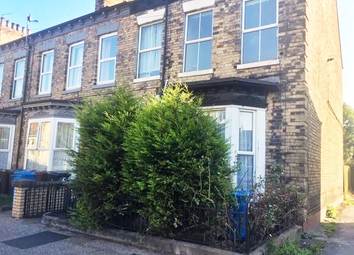 2 bed flat to rent in Albany Street, Spring Bank HU3