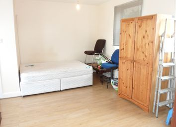 Thumbnail Studio to rent in Basildon Road, Abbey Wood