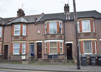 Thumbnail 4 bedroom terraced house to rent in Park Street, Luton