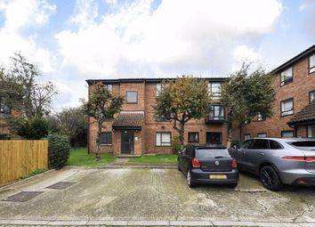 Oliver Close, London W4. 1 bed flat for sale