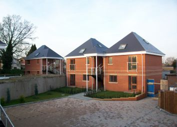 2 bed flat to rent in Pentland Avenue, Broomfield, Chelmsford CM1
