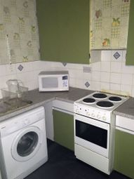 Thumbnail 1 bed flat to rent in Anlaby Road, Hull