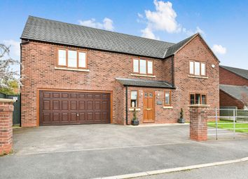 Thumbnail 6 bed detached house for sale in Farm Close, Hilton, Derby