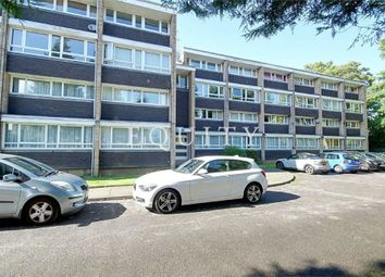 Thumbnail 3 bedroom flat for sale in Oxford Gardens, Winchmore Hill
