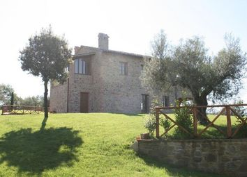 Thumbnail 4 bed farmhouse for sale in Casa Moiano, Citta Della Pieve, Umbria