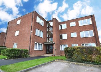 Thumbnail 2 bedroom flat to rent in New Road, Broxbourne
