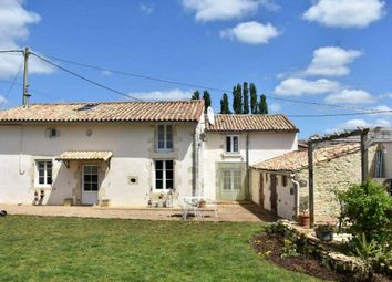 Thumbnail 2 bed country house for sale in 79190 Sauzé-Vaussais, France
