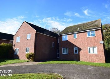 Thumbnail 1 bed flat for sale in The Hampdens, Newbury