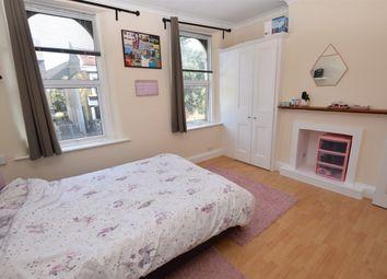 Langthorne Road, First Floor Flat, London E11. Studio to rent