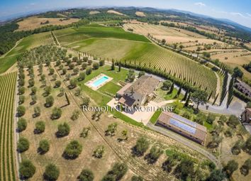 Thumbnail Farm for sale in Siena, Tuscany, Italy