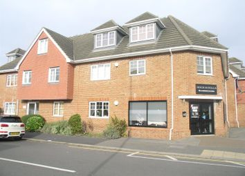 Thumbnail 2 bed flat to rent in Russell Road, Walton-On-Thames