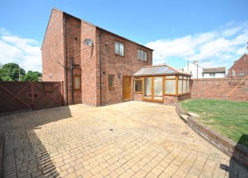 Thumbnail 4 bed detached house to rent in Bawtry Road, Hatfield Woodhouse, Doncaster