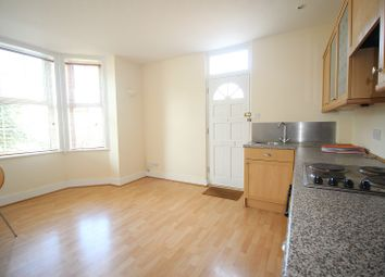Thumbnail 1 bed flat to rent in Powney Road, Maidenhead