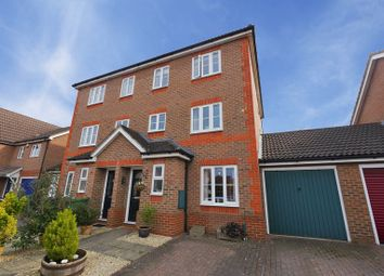 Thumbnail 4 bed town house for sale in Rawthey Avenue, Didcot