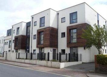 2 bed flat to rent in Hewlett Road, Cheltenham GL52