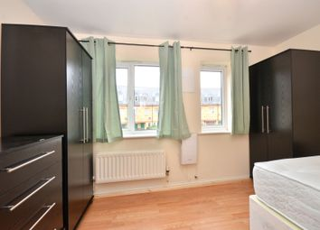Thumbnail Room to rent in Hillview Drive, Thamesmead, Woolwich Areasenl
