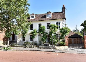 Thumbnail 6 bed flat to rent in Swan Street, West Malling