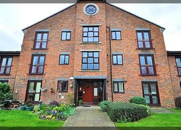 Thumbnail 2 bed flat to rent in Kingston Wharf, Kingston Street, Hull