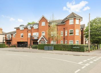 Thumbnail 2 bed flat to rent in Fairford Road, Maidenhead