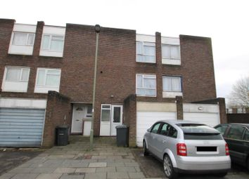 Thumbnail 4 bed town house to rent in Long Field, London
