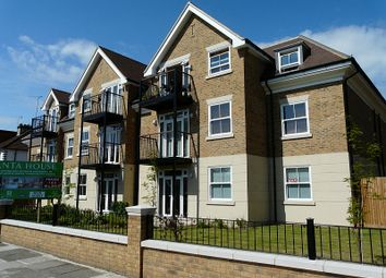 Thumbnail 2 bed flat to rent in Holders Hill Road, Mill Hill