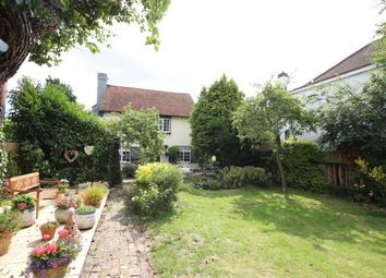 Thumbnail 4 bed detached house to rent in Lapwater Close, Leigh-On-Sea