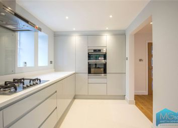 2 bed maisonette to rent in Gurney Drive, London N2