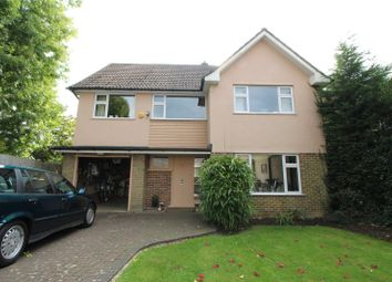 Thumbnail 4 bedroom detached house to rent in Manorside, High Barnet, London