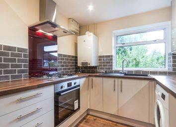 2 bed maisonette to rent in Hinton Close, Crowthorne RG45
