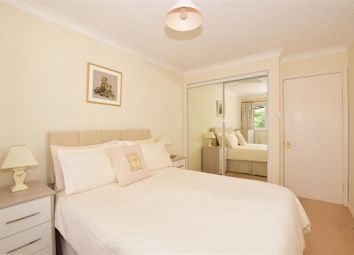 Southview Road, Warlingham, Surrey CR6. 2 bed flat