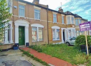 Thumbnail 1 bed flat to rent in Ilford