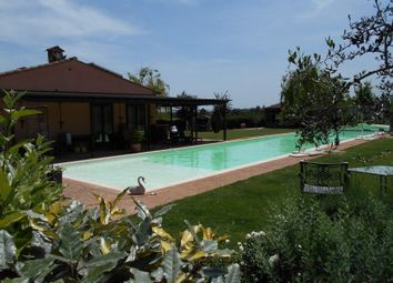Thumbnail 8 bed town house for sale in 06061 Castiglione Del Lago Pg, Italy