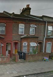Thumbnail 3 bed terraced house to rent in Oak Road, Luton