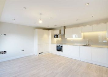 Thumbnail 1 bedroom flat to rent in High Street, Berkhamsted