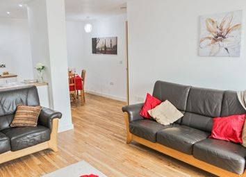 Thumbnail 3 bed flat for sale in Media City (Block 1), Michigan Point Tower A, 9 Michigan Avenue, Salford Quays