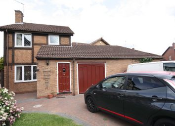 Thumbnail 3 bed property to rent in Cleeves Avenue, Warwick