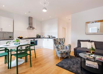 2 bed flat to rent in North End Road, London SW6