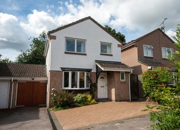 Thumbnail 3 bed link-detached house for sale in Chaffinch Close, Wokingham, Berkshire