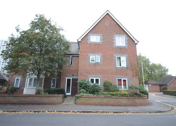 Thumbnail 2 bedroom flat for sale in Stratheden Place, Reading