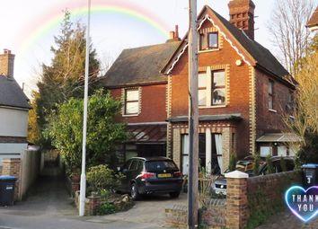 Thumbnail Room to rent in De La Warr Road, East Grinstead
