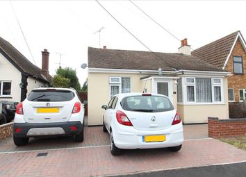 Sutton Court Drive, Rochford SS4. 2 bed detached house