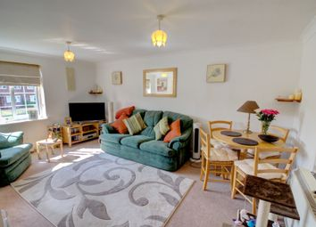 Thumbnail 2 bedroom flat for sale in Silchester Road, Reading