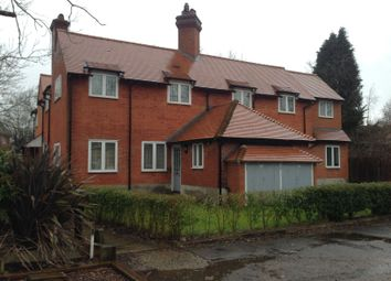 1 bed flat to rent in London Road South, Merstham, Redhill RH1