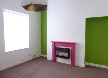 2 bed flat to rent in Albany Street, Hull HU3