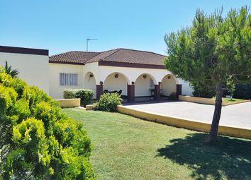 Thumbnail 3 bed villa for sale in Chiclana De La Frontera, Cádiz, Andalusia, Spain